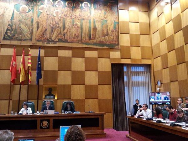 PP, PSOE y Cs impiden que el Pleno de Zaragoza exija a las empresas crear empleo y dar servicio de calidad por ampliaciones
