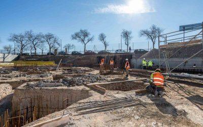 El Pleno de la Junta Municipal de Las Fuentes rechaza la estrategia de Dragados para perjudicar el proyecto de vivienda con servicios comunes