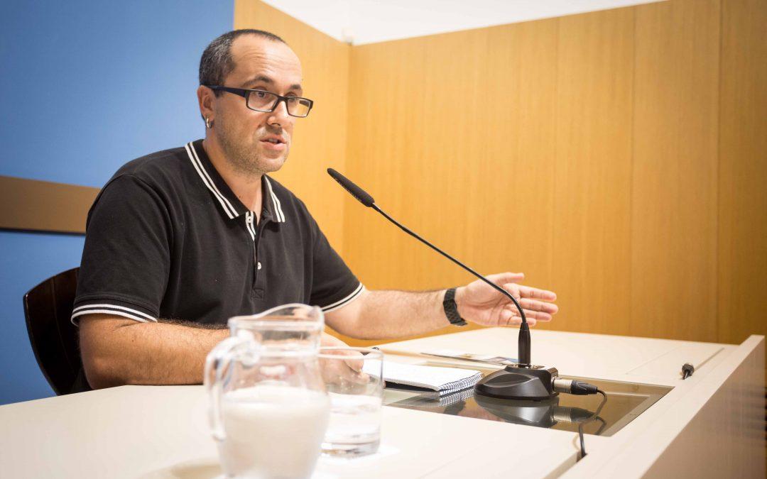 Zaragoza en Común reclama la protección del sector del Taxi frente al desembarco de Cabify